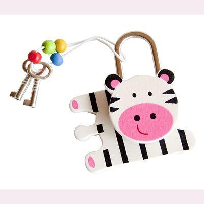 Hänglås i trä - zebra