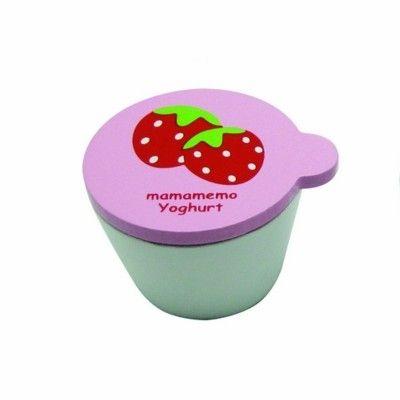 Leksaksmat - Yoghurt i trä - jordgubb - MaMaMeMo