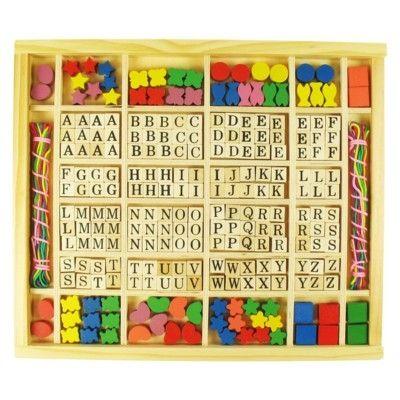 Träpärlor med bokstäver - gör egna namnsmycken