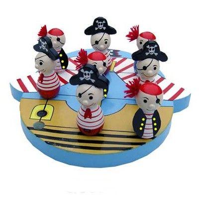Tre i rad - piratskepp med pirater