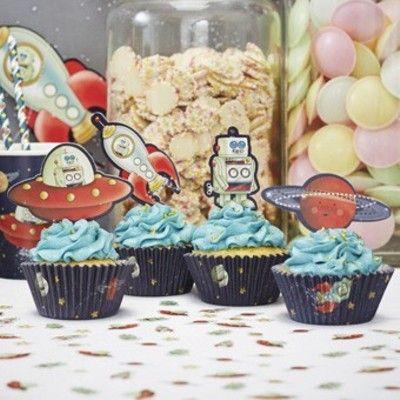 Muffinsformar med dekorationer - rymdäventyr