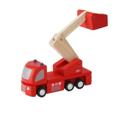 Brandbil i trä - ekologisk från PlanToys