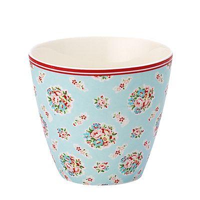Lattemugg i porslin - Millie, ljusblå med blommor