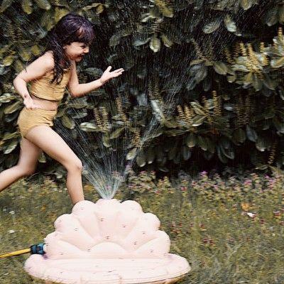 Vattenspridare - Shell, Cherry Blush - Konges slöjd