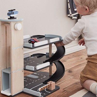 Parkeringshus i trä - Aiden - Kids Concept